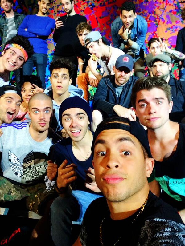 What a fun tour! Last night boys so lets get it! #SuperSelfie http://t.co/BJuK9iBjU8
