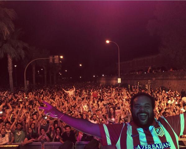IMPRESIONANTE  BADAJOZ!!!! Estaba lejos de casa pero el sentimiento @Atleti está por toda España. http://t.co/S7aRM7NMTb