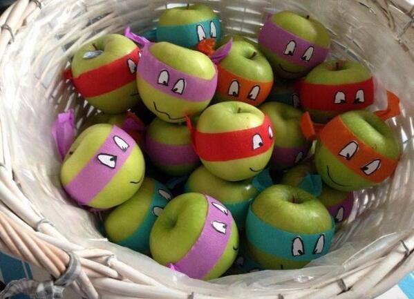 Teenage mutant ninja apples. http://t.co/4TmNkS04zx