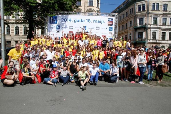 Šis maratons nevarētu izdoties bez lieliskas brīvprātīgo komandas, kura mums bija! Pateiksim lielu PALDIES viņiem!!! http://t.co/UdvYixkngk