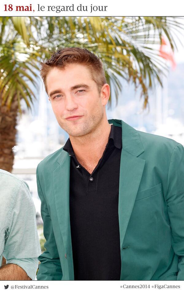 #Cannes2014 Le photocall de R-Patz pour #TheRover. Bien ou bien ? #RobertPattinson http://t.co/J35ybEArAT http://t.co/6iSU1zNqWS