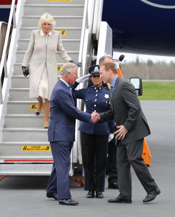 Their Royal Highnesses have arrived in Halifax, Nova Scotia! Follow the #royaltour http://t.co/mWr1NWoPRS http://t.co/RU4nvBxXBV