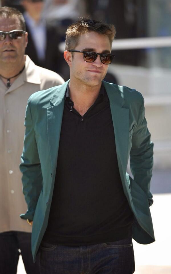 Trust us when we tell you, there is a lot of HOT ROB IN CANNES on the site today. Check it out http://t.co/l8SqT7JUn1 http://t.co/9el3Ce0S44