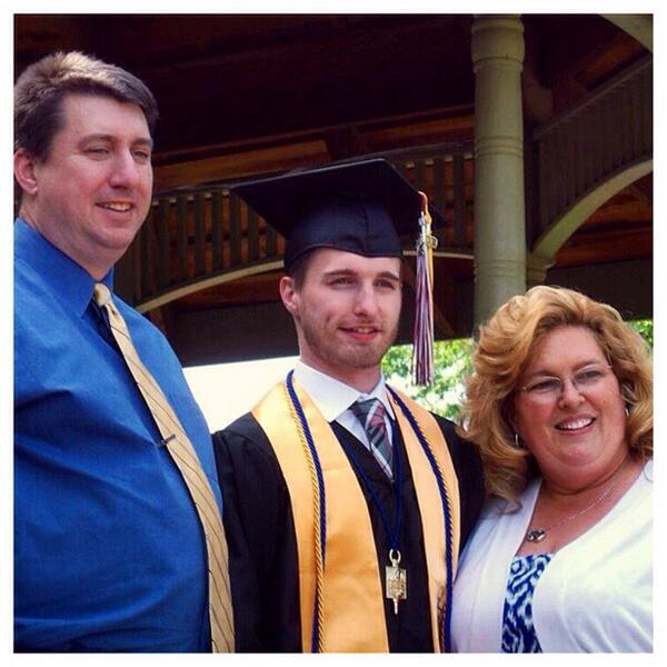 Graduation day with the family #college  #graduation #scc #class2014 #Honors #PhiThetaKappa http://t.co/7NMQjfT5H7