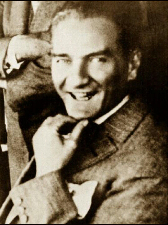 Mustafa Kemal Atatürk Fotoğraflar Videolar