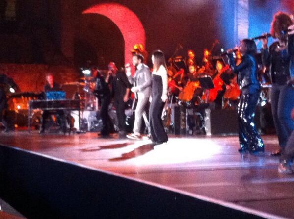 Pausini&C - Taormina 18/05/2014 - Pagina 3 Bn8nOswCAAEfmWq