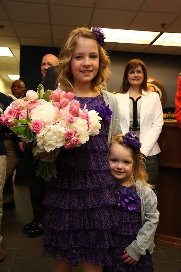 The flower girls are ready to greet Their Royal Highnesses upon arrival in NS http://t.co/cBMapu54Zp