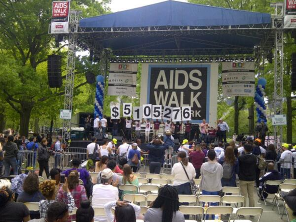 What a beautiful day! The total amount of $5,105,276 raised for @AIDSWalkNY is amazing! Thank you! http://t.co/nTVOcVufma