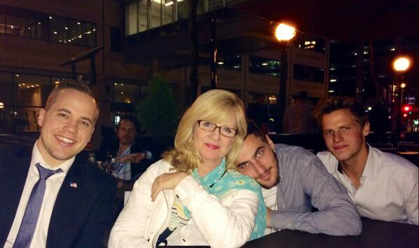 Great night w/Fam @ktothe5th @HeffronDrive @kevingschmidt Congrats to @KennethESchmidt !!! Love and too many laughs!! http://t.co/r0krBf1zWT