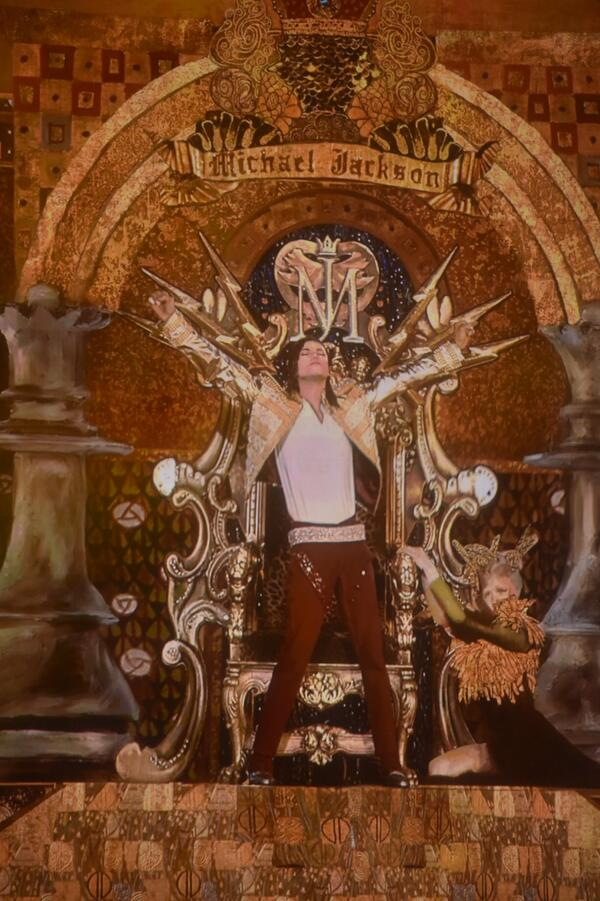 """:) """"@michaeljackson: MJhistory was just made on #BillboardAwards. Did you see it? #MJILLUSION http://t.co/K5g0bYPxWR http://t.co/GUPITkgPNP"""""""