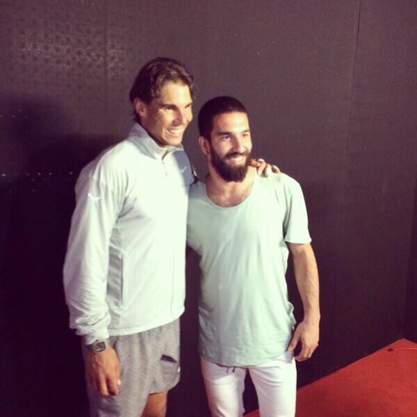 ¿Cuánto mide Rafa Nadal? - Altura - Real height BnCpmvTCEAArWGQ