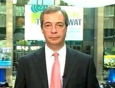 Oh my > RT @SkyNewsRoyal: #ukip Love this! Interesting framing in this photo from @cameramanjimITV #Farage http://t.co/SNJE3So34a