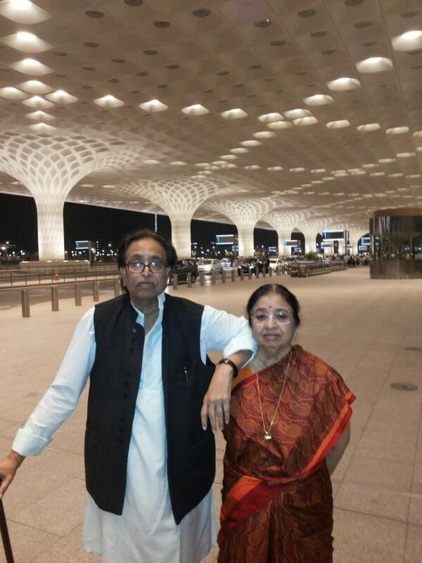 Leaving for China with my brother Hridaynath & our family http://t.co/ut8NMauNwW