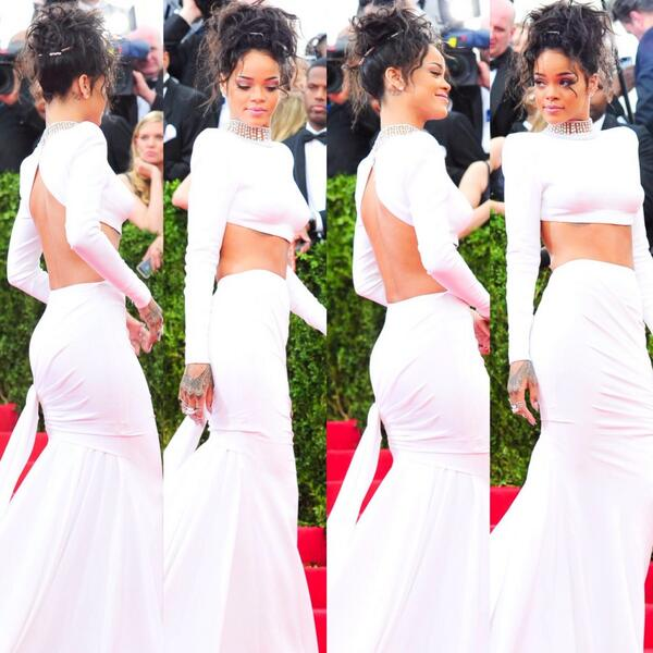 Rihanna looks flawless✨✨