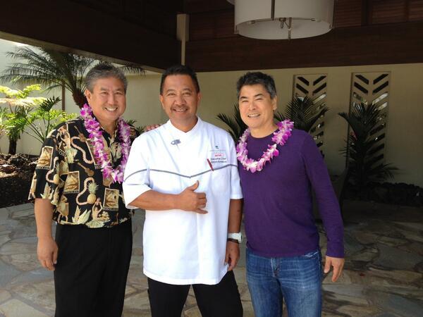 Mahalo @HIFoodWineFest! Chef Kanekoa with Chefs Yamaguchi and Wong @WaikoloaBeachMH http://t.co/J5fllj6i1S http://t.co/kiuRsJ8Zvm