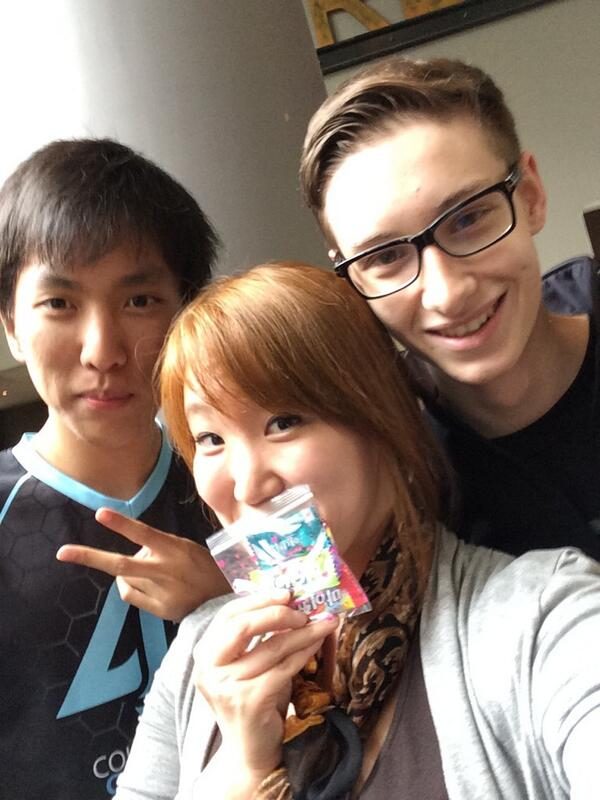 "Susie Kim on Twitter: ""Bribing cute boys with candy. @CLGDoublelift ..."