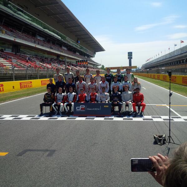 GP 3 series : 10 vainqueurs différents en 10 courses (stat treize intéressante) - Page 5 BnHft4NCcAAvAau