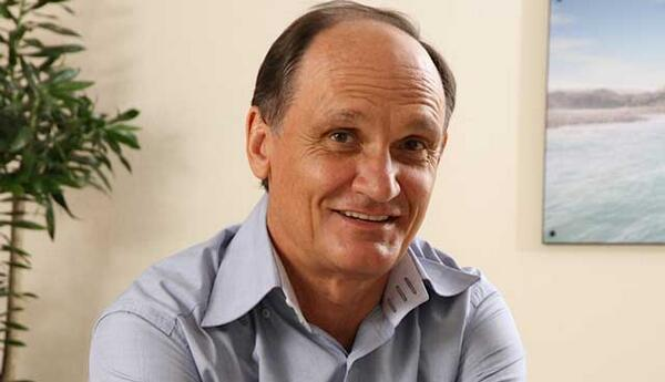 BREAKING: Knott-Craig steps down as Cell C CEO - http://t.co/VEIaGWKmyt http://t.co/O2PF46OBnz