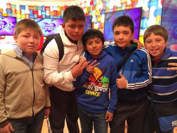 Todos juntos por primera vez: el Tarro, sus amigos y el Zafrada, EN INSTANTES en el #Bienvenidos13! http://t.co/WGKlbD7Baa