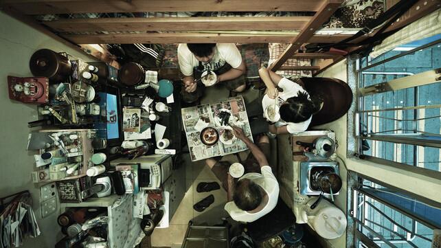 Miris, Developer Hong Kong Bangun Apartemen Lebih Kecil dari Parkiran Mobil