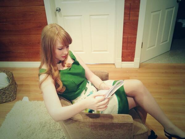 molly c quinn on twitter studying on the set of my next short