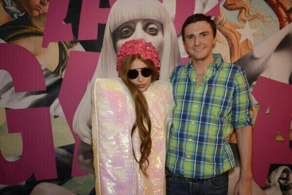 Check out photos of Lady Gaga meeting fans at the artRAVE in Fort Lauderdale here: http://t.co/VM8G7WD7jI  << http://t.co/YGTuZsbBRh