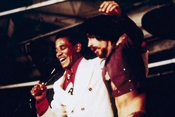 Jair Rodrigues e Raul Seixas no Festival Phono 73. Jair ajudou Raul a conseguir sua primeira residência em São Paulo http://t.co/otSBxAkTCM