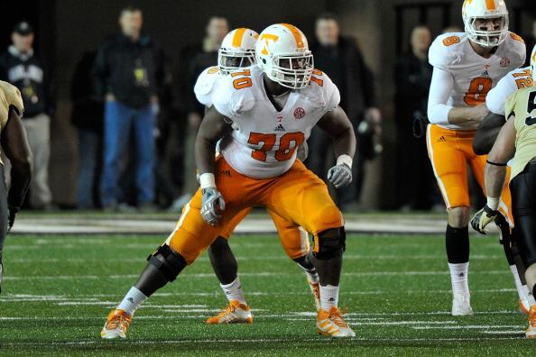 With the 19th overall pick, the @MiamiDolphins select Ja'Wuan James, OT from Tennessee.  #MIApick http://t.co/rpoHqKoar6