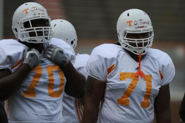 #OLP @JawuanJames70 reunited with @225boy71 with the @MiamiDolphins #VFL #Vols #Dolphins http://t.co/2neqPBhdiw