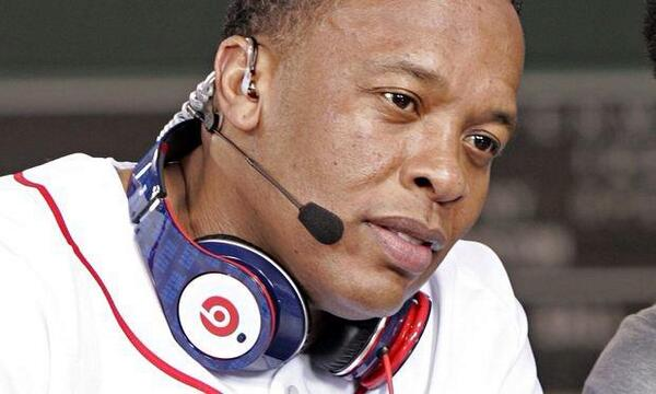 @DrDre just sold Beats by Dre to Apple for $3.2 Billion, making him the richest rapper and HipHop's first Billionaire http://t.co/RvU2GixisQ