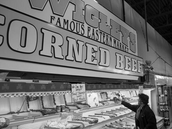 #whyIstay in Michigan..because we have the best Corned Beef, Wigley's Market in Detroit. http://t.co/pbudVUTwiB