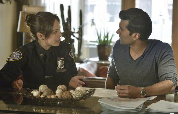 "@MsKristinKreuk in a NYPD uniform in episode 2.17 ""Beast is The New Black"" #BATB http://t.co/EjTuykCegq"
