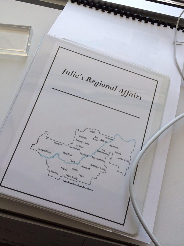 Ryan Kelly On Twitter This Binder Of Julie Charchun Cracks Me Up Every Time I See It Governance Harlequin Tco XiuC6CjdY8