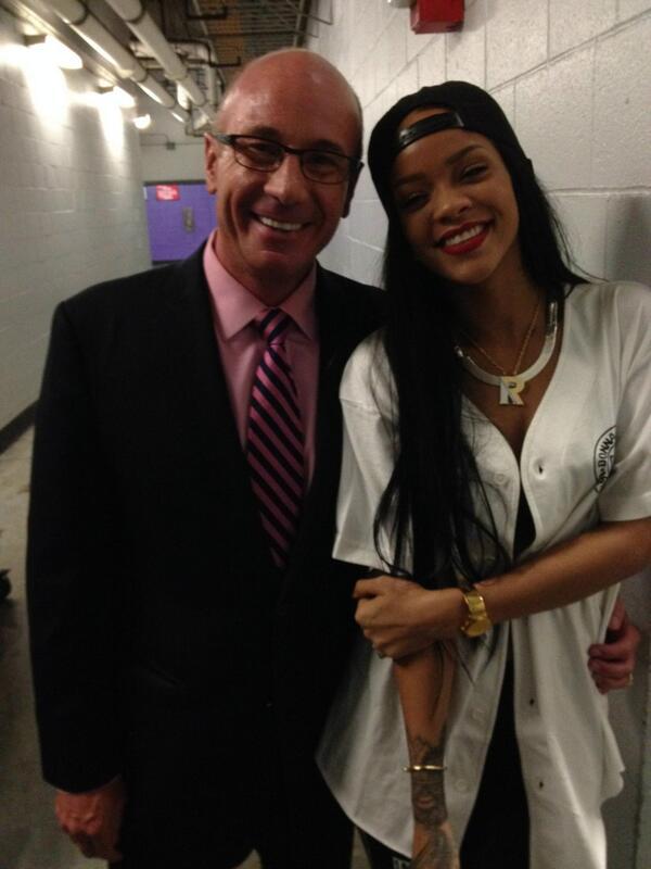 Me and @rihanna had to TALK that TALK...NBA PLAYOFFS inside Staples Center  #RiRi #onlygirl #diamonds http://t.co/7xwf0JTmhY