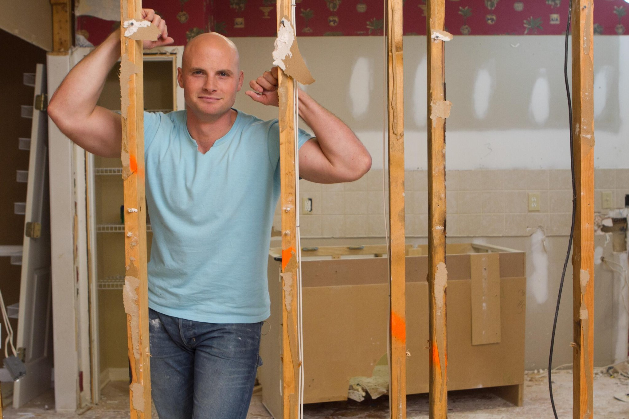 Twitter / hgtv: Two NEW eps of #ElbowRoom start ...