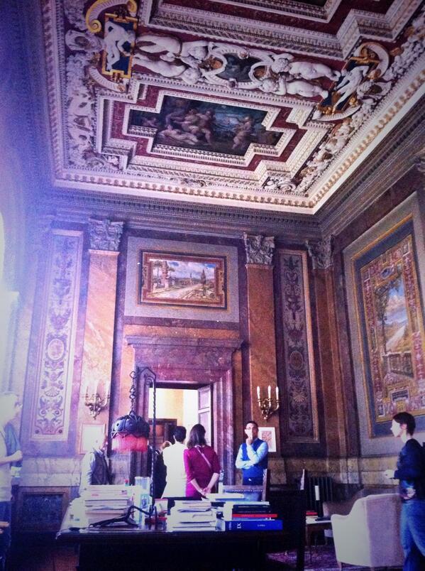La Sala del Granduca: l'ufficio del Presidente de @la_dante #ohr2014 @openhouseroma http://t.co/jgxohvbwye