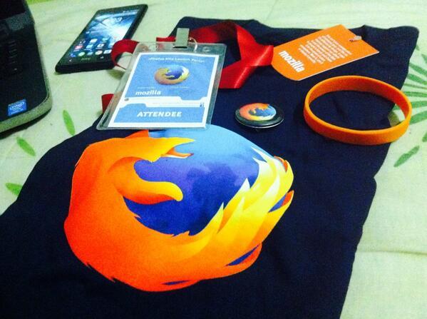 Yayy dapat T-shirt Mozilla Firefox. Thank you @MozillaMY! #FirefoxKita http://t.co/uIegCoDBH4