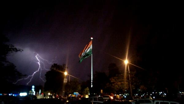 Just clicked something awesome at connaught place, Delhi :) http://t.co/7yJc8BzXL2