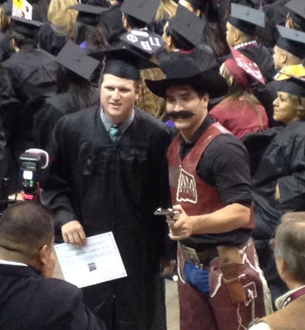 So proud if you Hazer! Can't wait to see what the future holds! @nmsu 😄🔫 #nmsugrad http://t.co/gioTOypcka