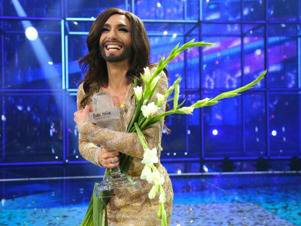 """This night is dedicated to everyone who believes in a future of peace and freedom."" @ConchitaWurst #Eurovision http://t.co/7N12w0DUFy"