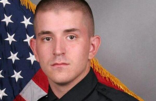 Nashville Officer Fatally Struck While Directing Traffic http://t.co/rL0mBkXhtI http://t.co/greaXtizoI