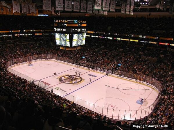 #Boston #Bruins getting it going tonight! http://t.co/IFpuBunv3w http://t.co/J3XnchEgHr