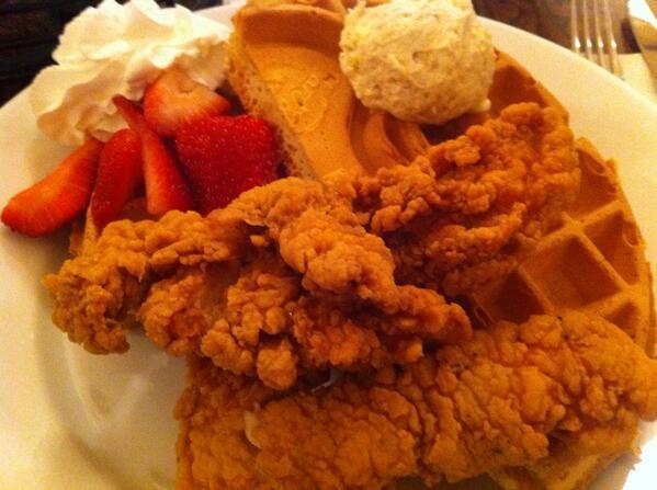 allanmacgregor: Breakfast or heaven??? #MagentoImagine http://t.co/qMZCkTHxNd