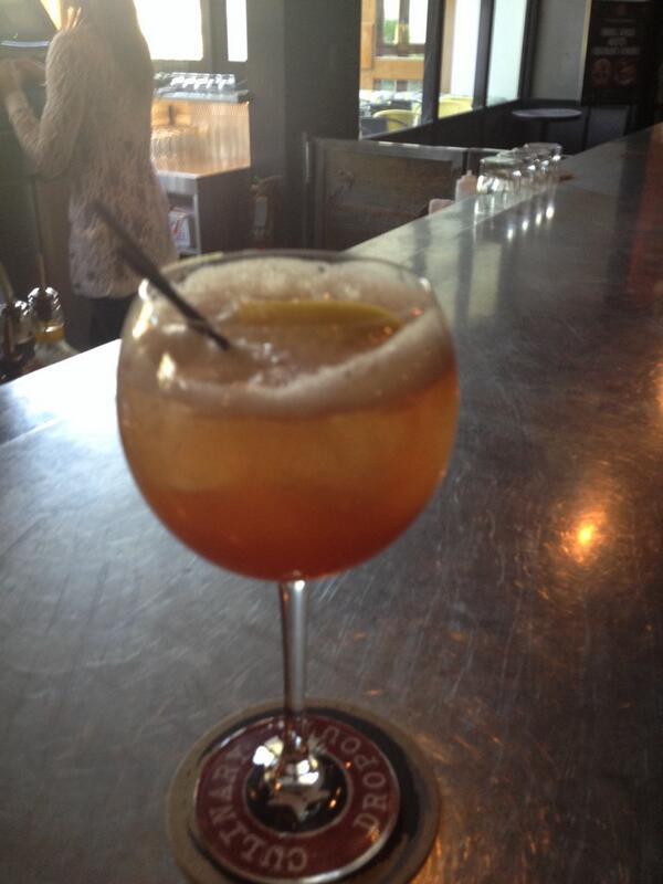 magentogirl: #preImagine setting up, it's hard work! They made me this peach brandy mimosa - yum! http://t.co/Ck8aoy0szx