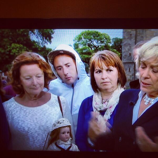 @gregjames love this guy loitering on the Antiques Roadshow http://t.co/ltu9DWFRoI