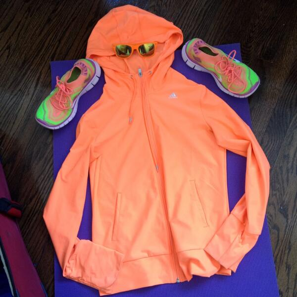kt_hudson: Orange hoodie? Check. Orange sunglasses? Check. Crazy bright shoes? Check. Ready for #MagentoImagine! http://t.co/huPInNuKto