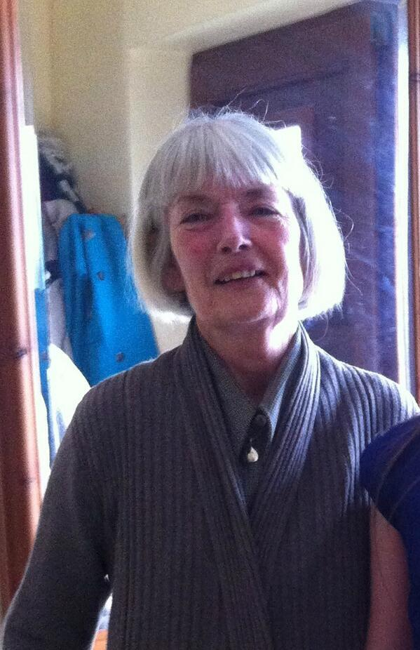 Gardai trying to trace 67-yr-old Pauline Lynch missing from Dalkey in Dublin http://t.co/EPbemE6dXd