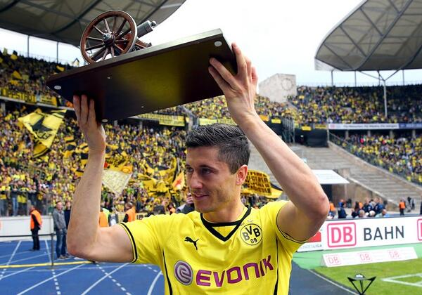 Robert Lewandowski left Borussia Dortmund winning the Bundesligas golden boot for the first time [Video]