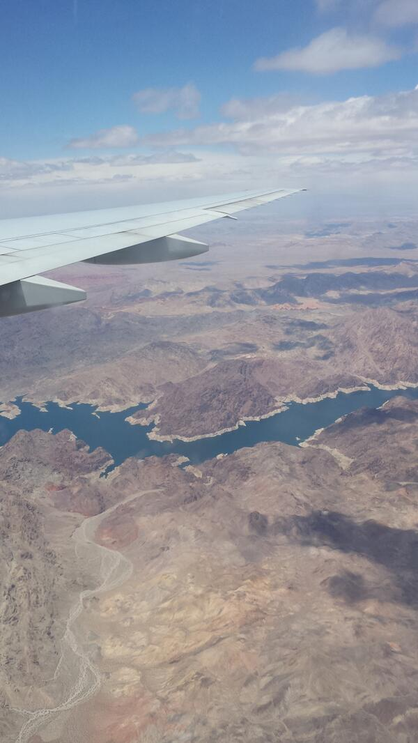 Benleah: Fab view on the way into Vegas for #MagentoImagine http://t.co/16ga9yxprN