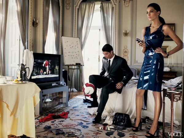 Bn bfeMIMAEH1j4 Cristiano Ronaldo is starkers on the front cover of Spanish Vogue with girlfriend Irina Shayk [Pictures]